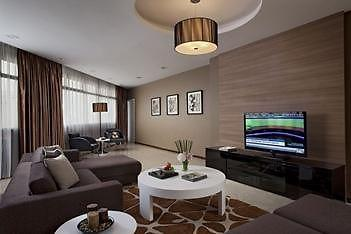 Weekly 2 Bedrooms Serviced Apartment At Mount Elizabeth Hospital Image 1