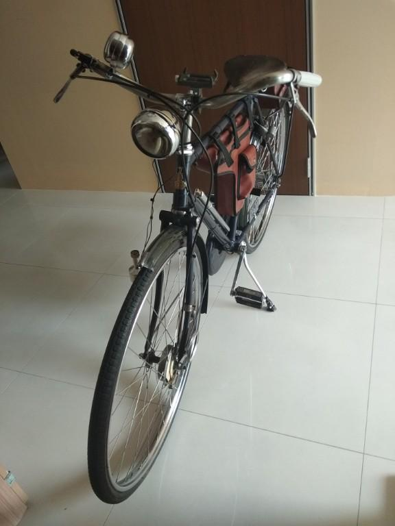 1940 VINTAGE RALEIGH BICYCLE FOR SALES, D2. Chinatown/ Tanjong Pagar