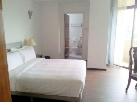Many Short Term 3 Bedrooms Serviced Apartment At Far East Plaza Image 1